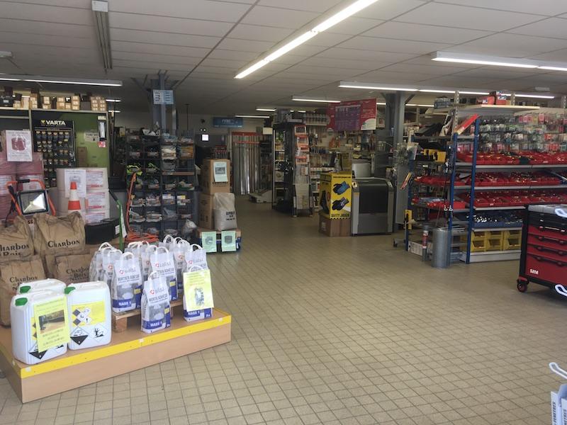Brico Détail - Intérieur du magasin