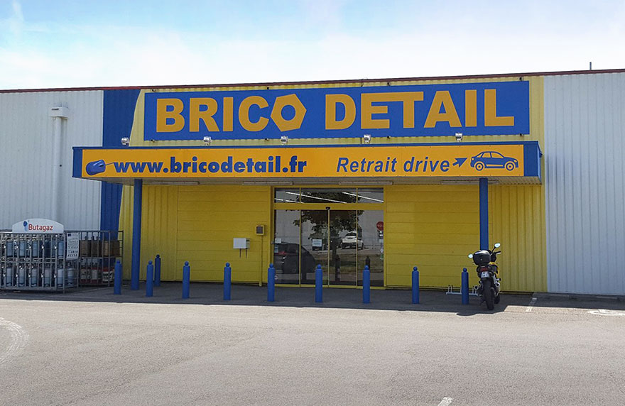Brico Détail - Devanture du magasin